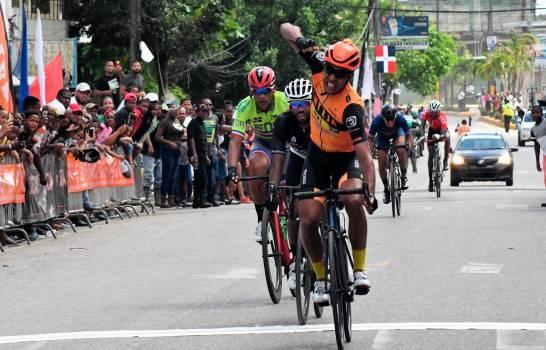 Joel García repite en el podio e Ismael Sánchez va tras definir liderato de la Vuelta