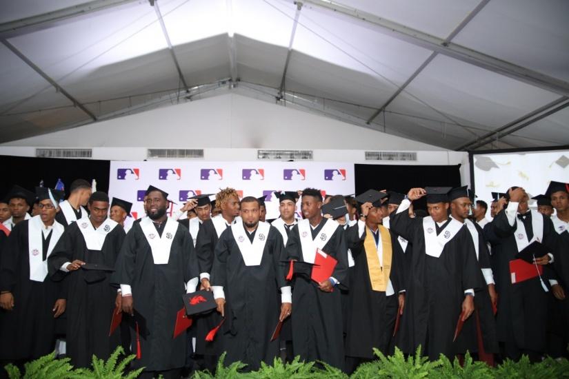 Prospectos graduandos de varias academias.