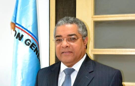 Luis Reyes Santos, Director de Presupuesto dio positivo a prueba del COVID-19