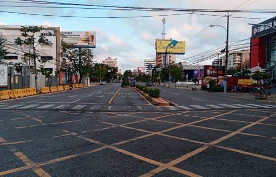 Parte de la ciudad en primer día de toque de queda a las 5:00 de la tarde