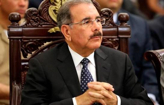 Danilo Medina crea Comisión de Veeduría para monitorear compras de COVID-19