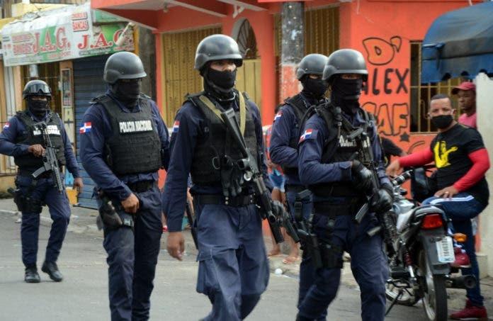 Capotillo vuelve a ser escenario de tiroteos entre policías y residentes