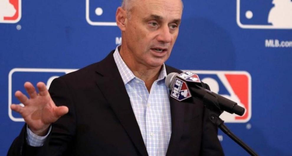 MLB a peloteros: O aceptan recortes o jugamos cuando haya fans en estadios