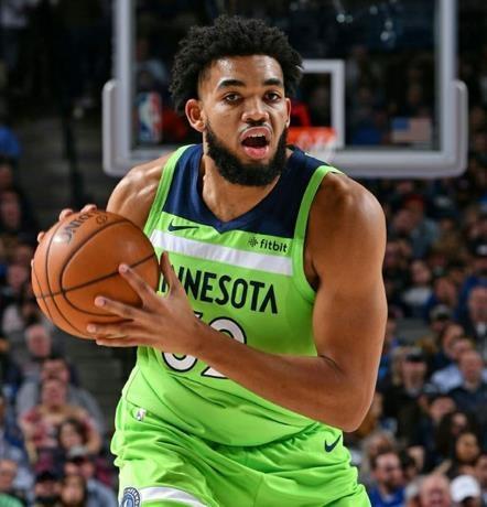 Karl-Anthony Towns está en quinteto ideal de los T-Wolves; promedia casi 23 puntos y 12 rebotes en su carrera en la NBA.