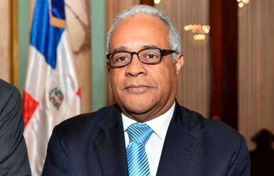Ministro de Salud Pública se desdice y afirma que el retraso en los reportes no son de COVID-19