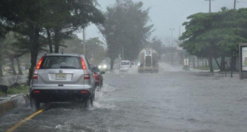 Meteorologia informa continuarán aguaceros por incidencia de onda tropical y vaguada