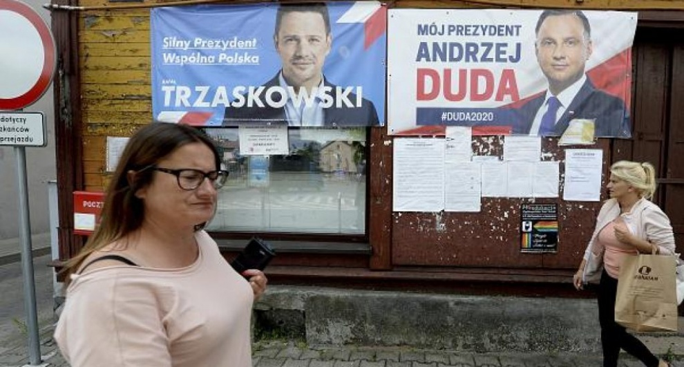 Polonia elige presidente entre el continuismo ultraconservador y el liberalismo europeista.