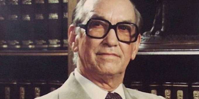 Se cumple hoy 38 años del suicidio del presidente Antonio Guzmán Fernández
