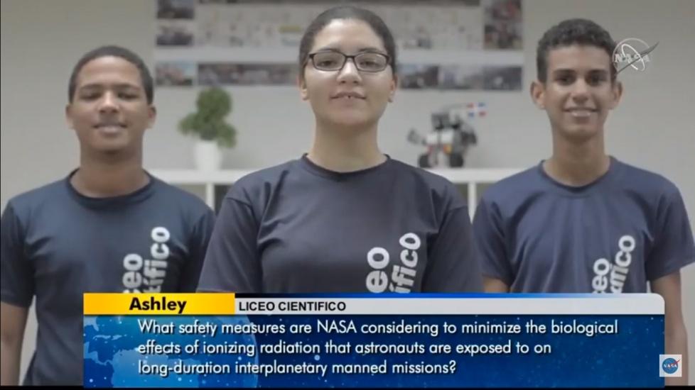 Estudiantes dominicanosconversan con astronauta de la Estación Espacial de la NASA
