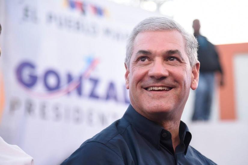 Gonzalo Castillo cierra campaña con espectacular producción y llama a no dejarse provocar e ir a votar