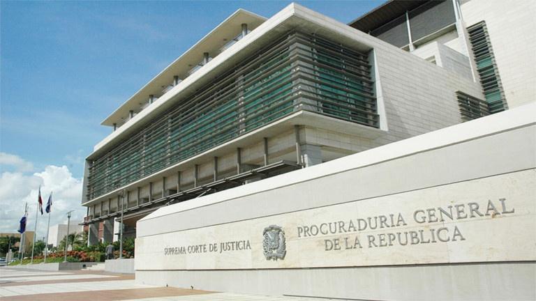 Casi 30 funcionarios que han renunciado en la PGR reciben desde hoy sus prestaciones laborales