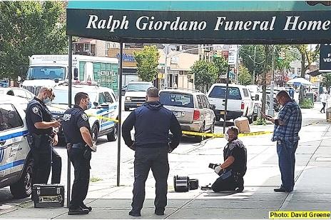 Alarma de bomba frente funeraria alarma vecindario en El Bronx; asesinan hombre frente funeral en Queens