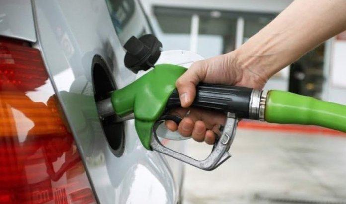 Bajan los precios de casi todos los combustibles en Dominicana