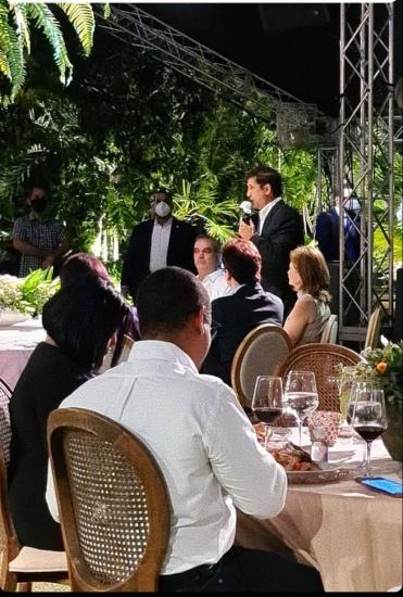LA informa subiría inversión per cápita en salud, comparte con empresarios en residencia de Manuel Estrella