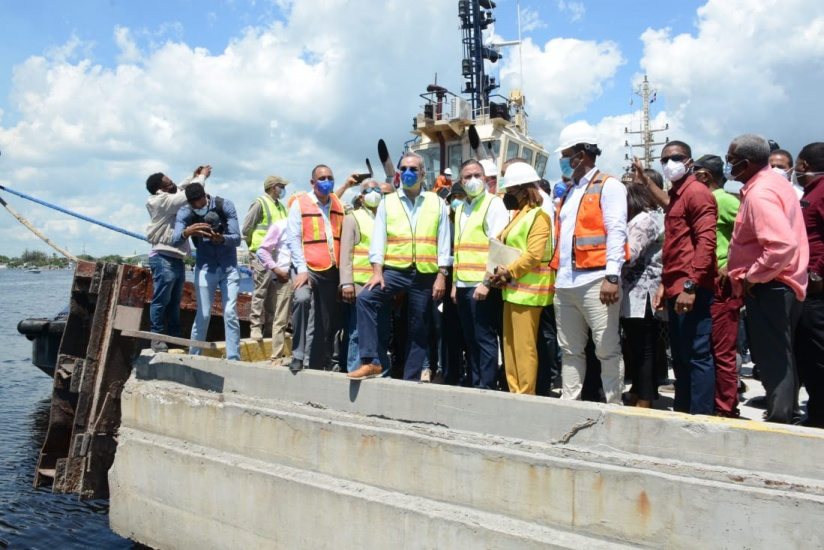 LA pondera remodelación y ampliación de la obra portuaria