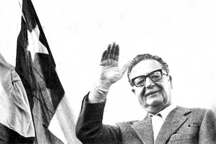 11 de septiembre: Chilenos recuerdan a Salvador Allende y víctimas de la dictadura