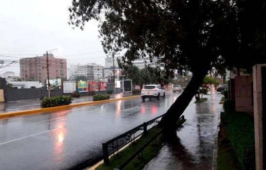 Onamet informa Onda tropical provocará aguaceros desde la mañana de este sábado