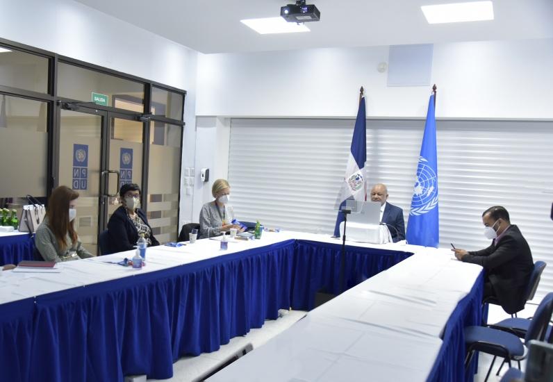 PNUD invita a ministro de Educación a presentar plan educativo dominicano