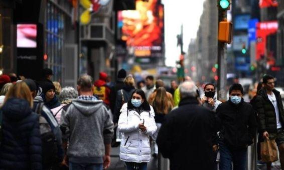 Dominicanos en Estados Unidos y España son vacunados contra el Covid-19 en igualdad de condiciones que sus nativos