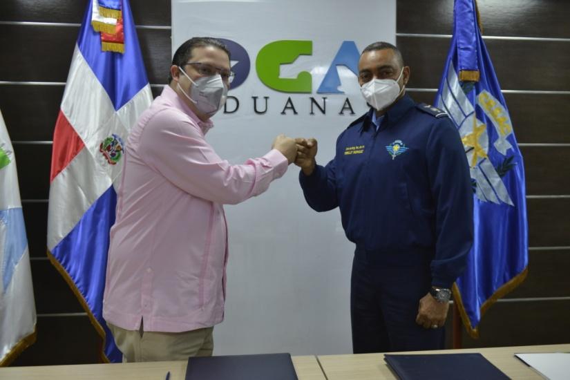 Aduanas y el CESAC firman acuerdo en materia de seguridad y control de los aeropuertos