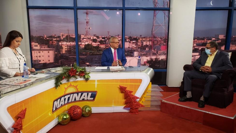 Dr. Fredis de Jesús Reyes, entrevistado en Matinal 5.