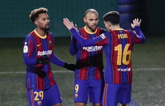Barcelona falla dos penales pero vence a Cornellà en Copa