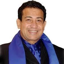 Cantante Sergio Hernández en cuidados intensivos por COVID-19