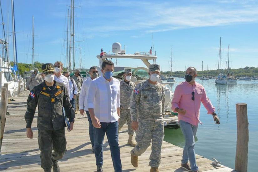 Ministro de Turismo, jefes de la Armada y la DNCD visitan bahía de Luperón en preámbulo desarrollo turismo náutico