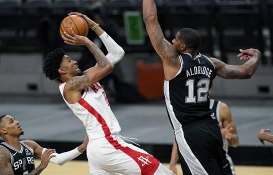 En primer partido sin Harden, Rockets vencen a Spurs