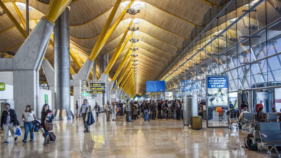 Apresan en aeropuerto de Madrid a hombre procedente de RD con 15 kilos de cocaína