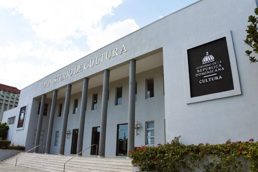 Presidente LA designa 15 miembros en el Consejo Nacional de Cultura