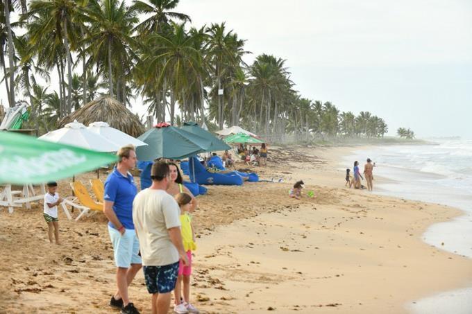 Llegada de turistas cayó 62.7% por la pandemia de Covid