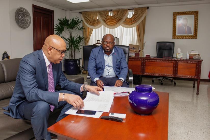 Ministro de los Haitianos Viviendo en el Extranjero visita República Dominicana para promover documentación diáspora haitiana