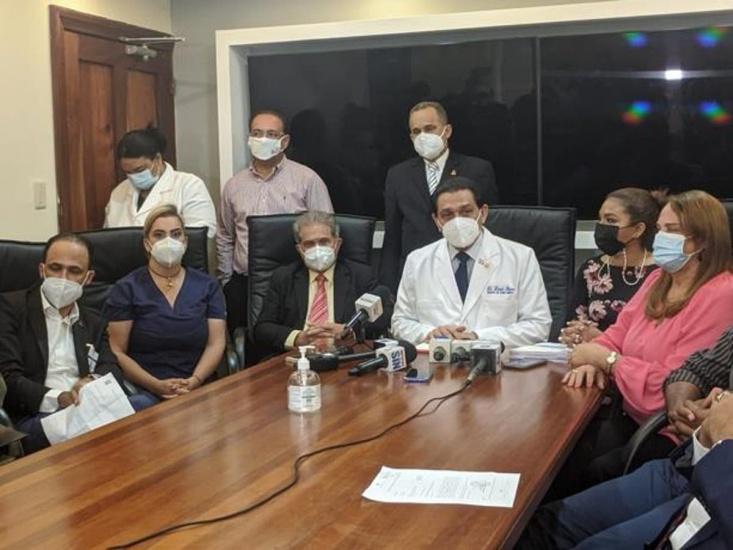 Logran acuerdo con médicos en huelga de hambre; incluye nombramientos inmediatos.
