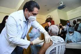 Más de 25 mil personas recibieron ayer la primera dosis de la vacuna contra el COVID-19