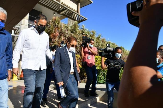 Diandino Peña es interrogado por varias horas en PGR y abogados dicen volverá cada vez que lo llamen