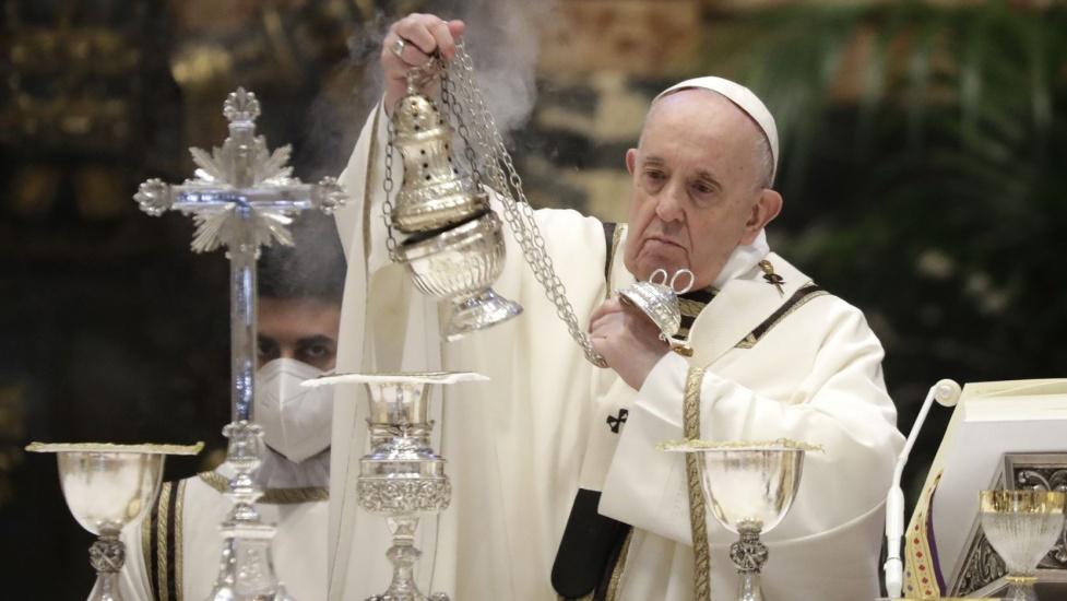 Papa Francisco oficia misa de Jueves Santo, no estará en Última Cena