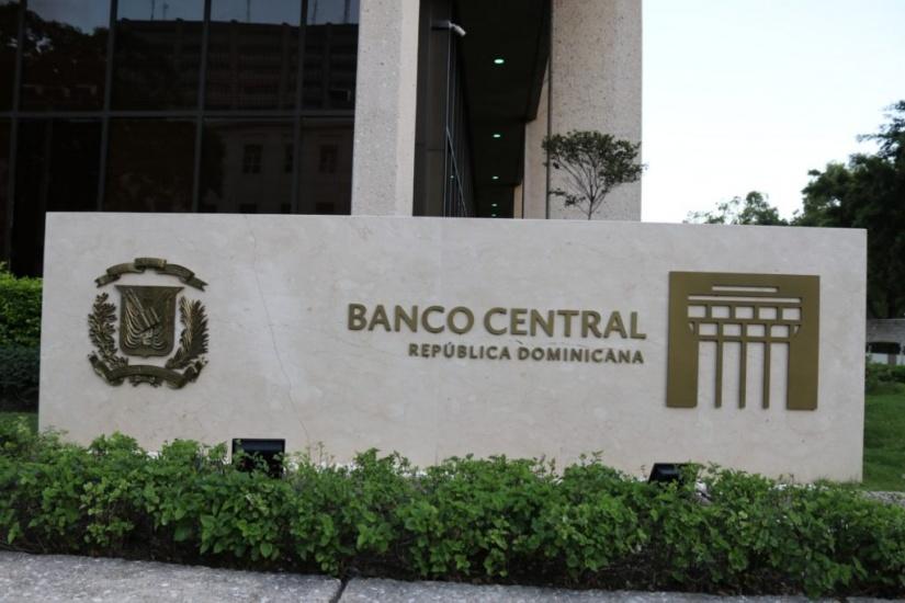 República Dominicana recibió US$910.8 millones en remesas en abril