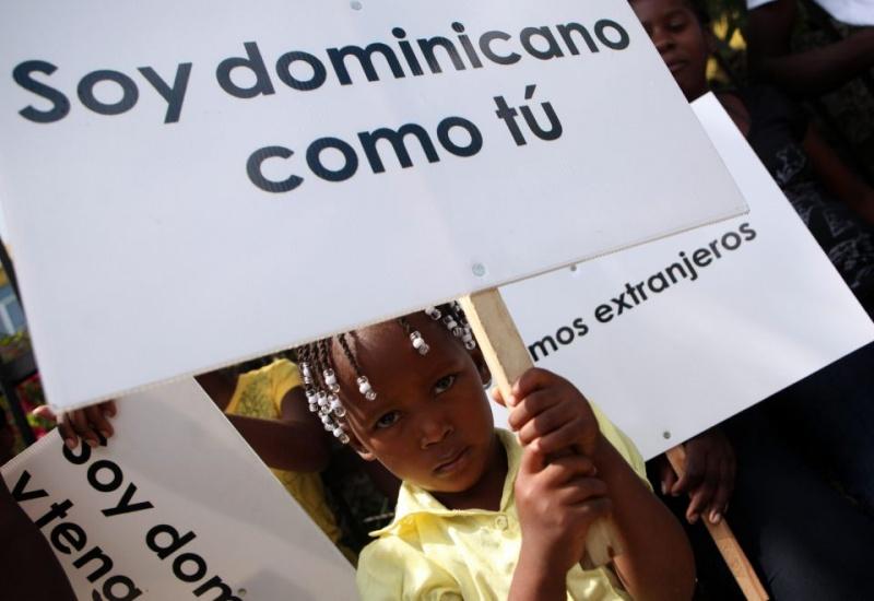 Escándalo en El Bronx: acusan a sacerdote dominicano de abusar de un menor tras pedir legalizar a inmigrantes haitianos en la isla