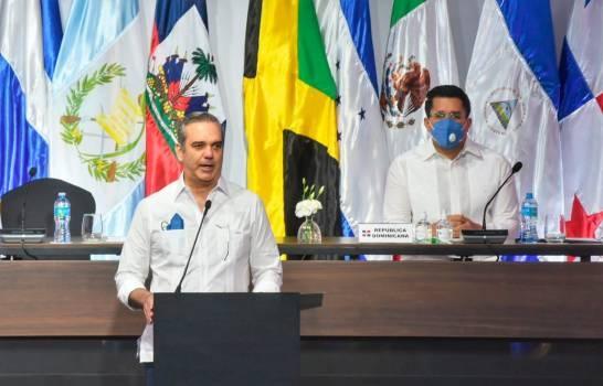 """Presidente Abinader encabezó acto de apertura de la """"Reunión de Turismo de las Américas"""""""