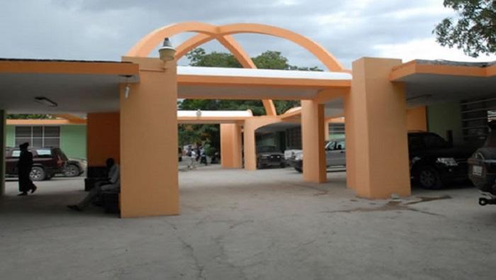 Cierra el único hospital que trata niños con cáncer de Haití tras secuestro de médico