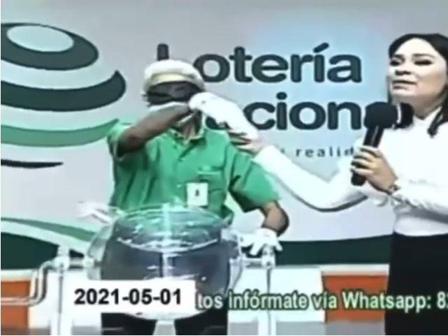Los cargos que se le imputan a Valentina Rosario Cruz, la presentadora de la Lotería Nacional