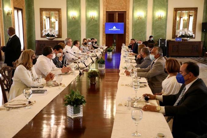 Para Abinader no fue fácil tomar las medidas; Reforma fiscal se quedó para el 2022