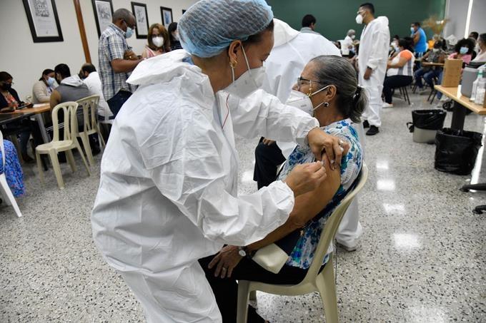 Líderes evangélicos exhortan a desterrar mitos sobre vacuna; abogaron por la inmunización.