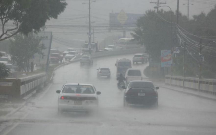 Onamet pronostica aguaceros y tormentas eléctricas para este fin de semana; continuarán aguaceros