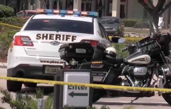 Dos adultos y un niño muertos en tiroteo en un supermercado de Florida