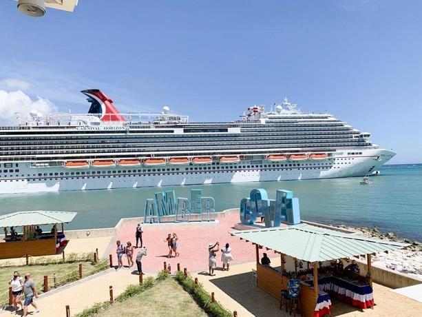 El turismo de cruceros reabre con 2,500 viajeros
