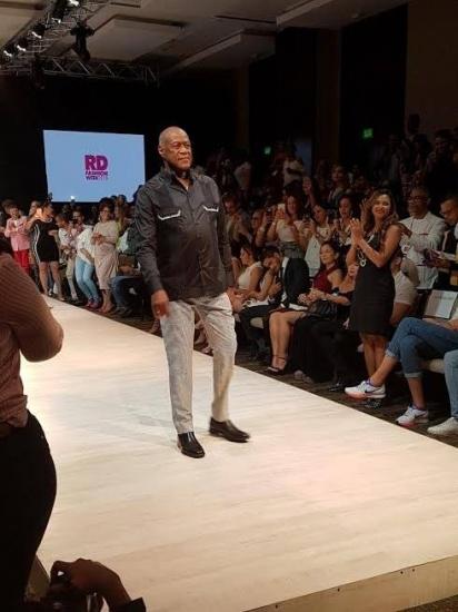 El día que Johnny Ventura desfiló para Noel Newman en el RD Fashion Week