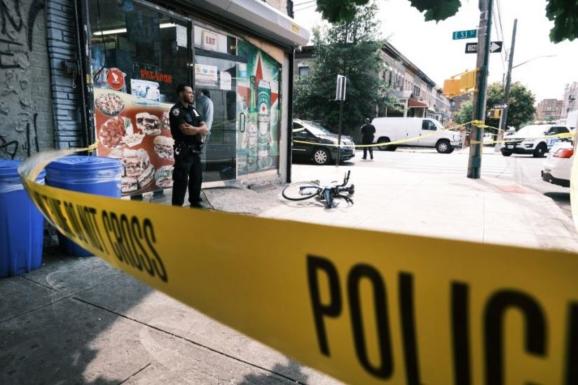 Noche sangrienta en Nueva York: tres muertos y 18 heridos de bala