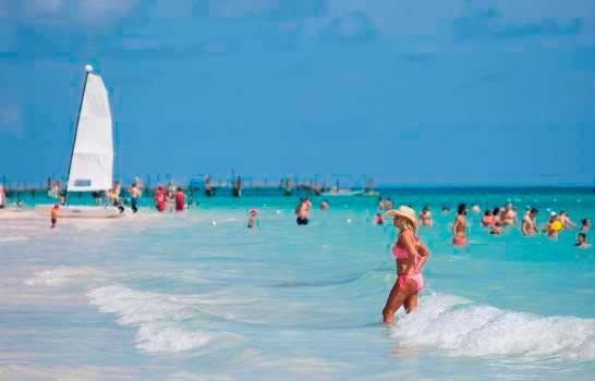 Ministro de Turismo dominicano proyecta récord de reservaciones para enero 2022